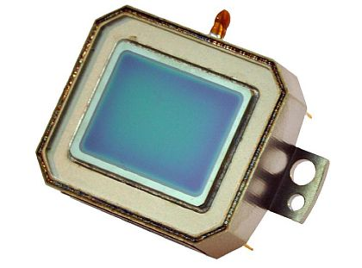 Cypress Semiconductor to mass-produce DRS uncooled infrared detector sensor technology