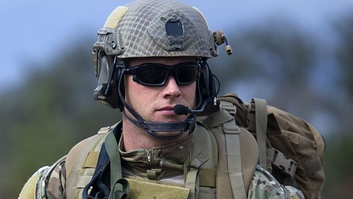 Military eyes Special Forces radio headsets