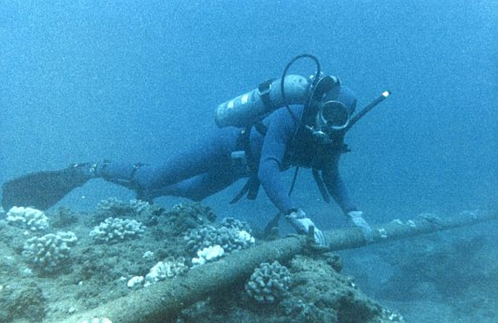 Navy to take a page from commercial undersea cable industry for new ocean surveillance technology