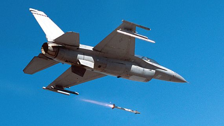 Navy asks Raytheon to upgrade electronic subsystems in AIM-9X Block II air-to-air missile