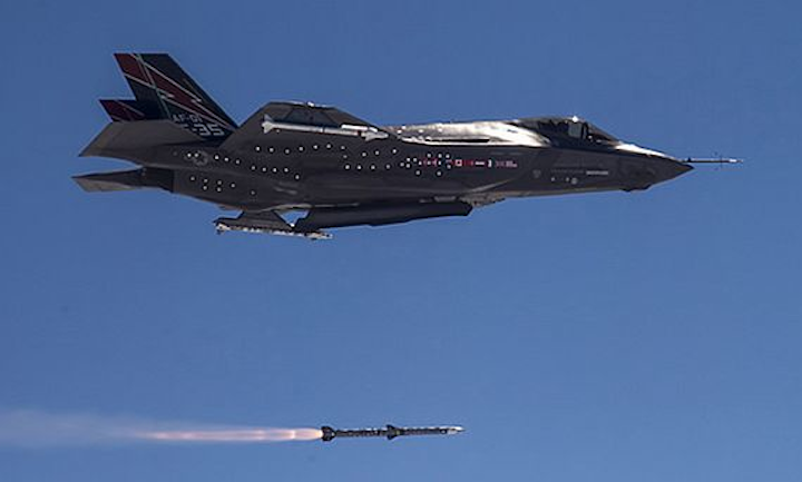 Fox Three: Raytheon scores hit with half-billion-dollar contract for advanced air-to-air missiles