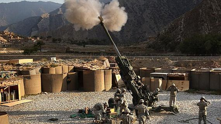 Army asks Raytheon to build 213 Excalibur satellite-guided artillery shells for pinpoint accuracy
