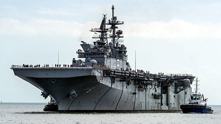 Navy carriers and big-deck amphibs receive new intra-ship voice communications networking