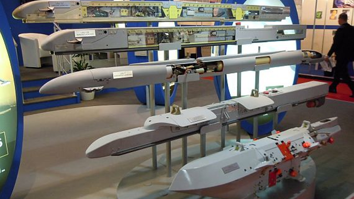 Navy orders missile launchers from Marvin to enable F/A-18 to fire AMRAAM, AIM-9X missiles