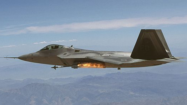 Navy invests half-billion dollars in AIM-9X air-to-air missile procurement and upgrades