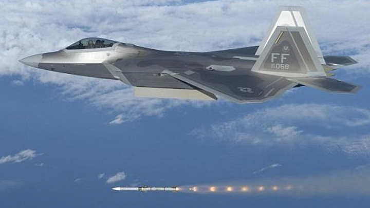 Air Force orders hundreds of Raytheon AMRAAM air-to-air missiles in $573 million deal