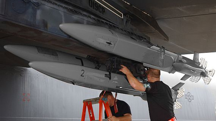 Raytheon to build lot of MALD-J EW jammer drones in $118.5 million Air Force contract