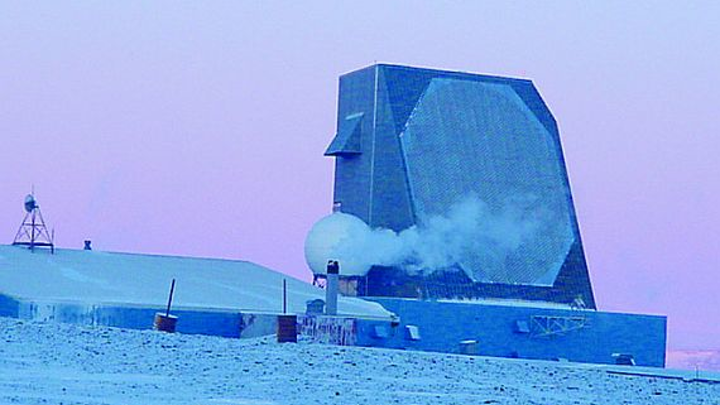Raytheon to upgrade radar signal processing for missile-defense system in Thule, Greenland
