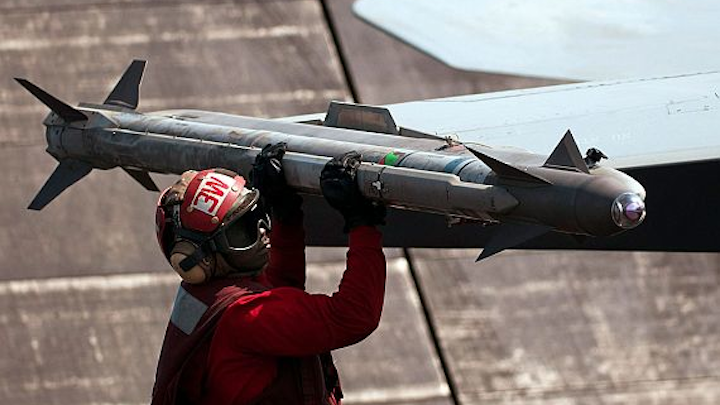 Navy makes 317-missile order of AIM-9X infrared-guided air-to-air weapon for Navy and Air Force