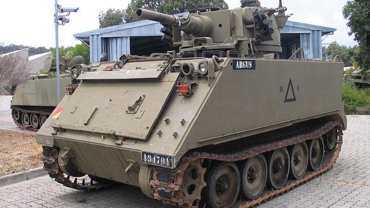 1805maeuv M11