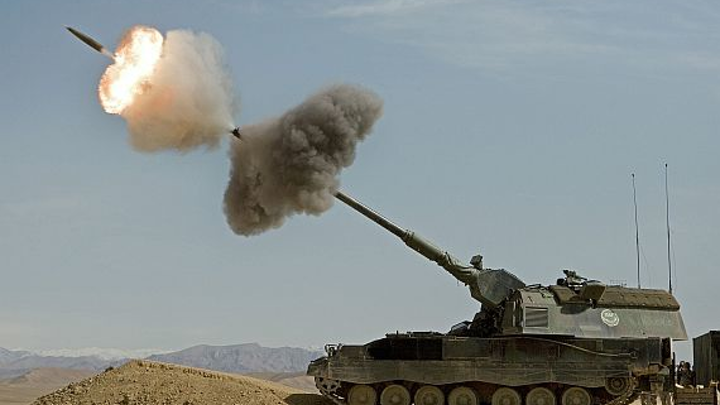 Army asks Raytheon smart munitions experts to build additional Excalibur artillery shells