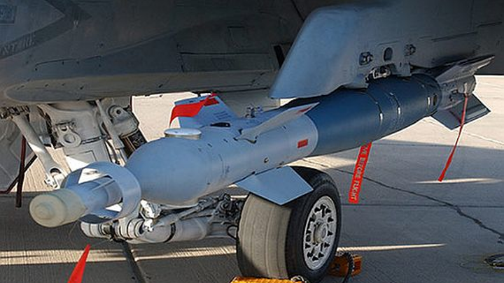 Raytheon to provide laser-guided Paveway smart munitions in $110 million 10-year contract