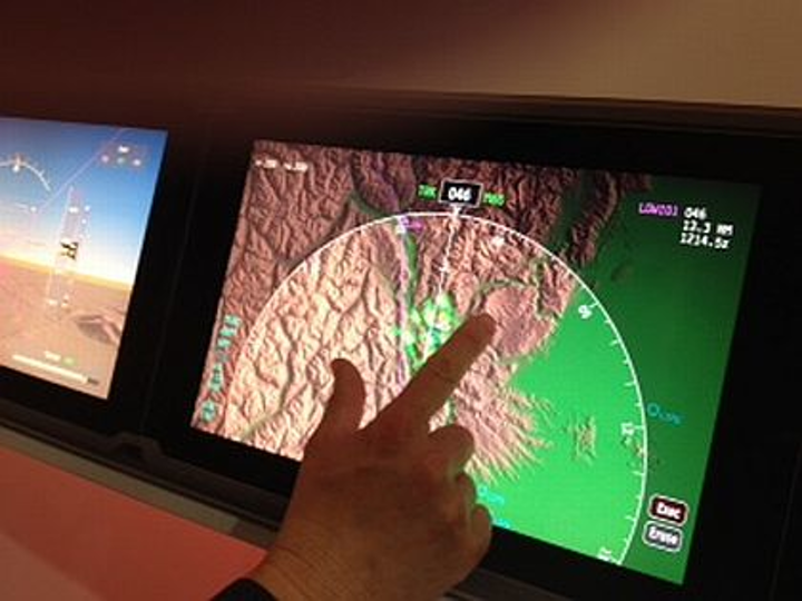 i-Pad-like capacitive touchscreen technology may be coming soon to an airline flight deck near you