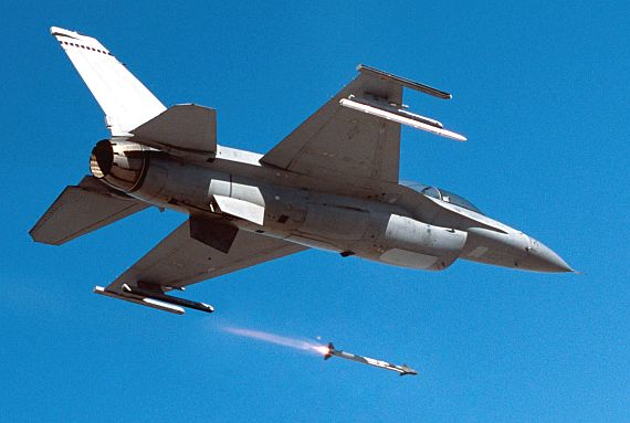 Raytheon wins $434.4 million order to build 926 AIM-9X air-to-air missiles for combat aircraft