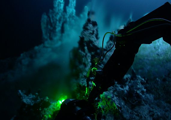 Future unmanned underwater vehicles with machine autonomy for deep-sea missions are focus of DARPA Angler program