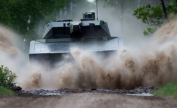 Army asks industry to build optionally manned armored combat vehicle to help battlefield soldiers maneuver