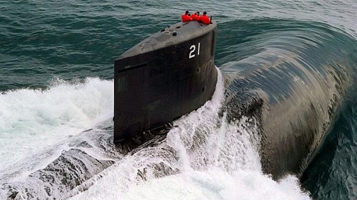 Submarine sonar experts at L-3 Chesapeake Sciences Corp. in Millersville, Md., will build additional TB-34X towed array sonar systems for U.S. Navy submarines under terms of a $13.8 million order